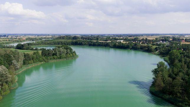 Działka 1200 m2 nad jeziorem + współwłasność plaży przy jeziorze