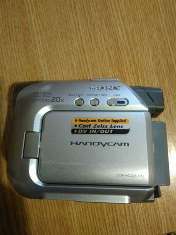Продам відеокамеру Sony Handycam
