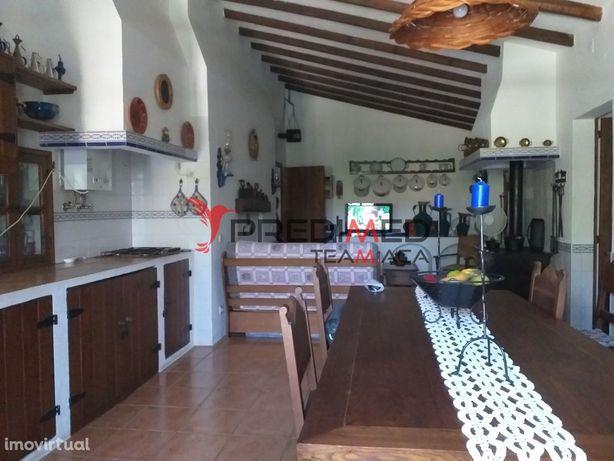 Monte Alentejano com casa típica  térrea T4