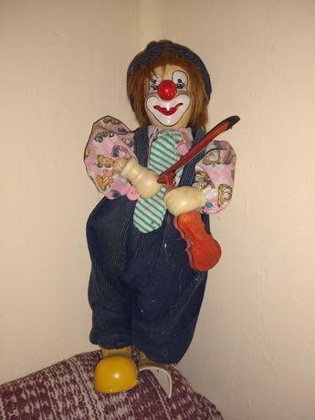 Sprzedam porcelanową figurkę - 36 cm.