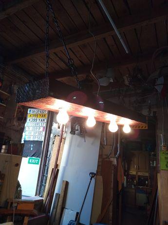Lampa z belki drewnianej