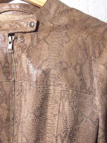 Casaco de pele de cobra - curtinho / veste muito bem