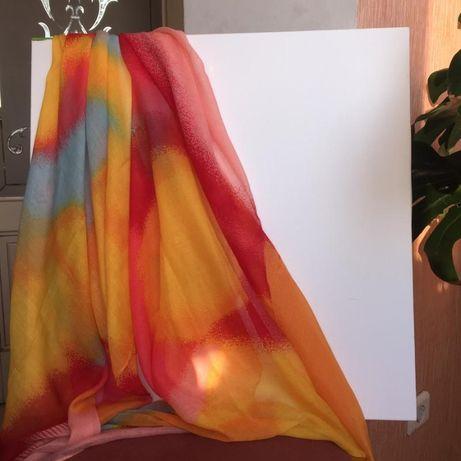 Легкий, весенний шарфик - платок Oriflame