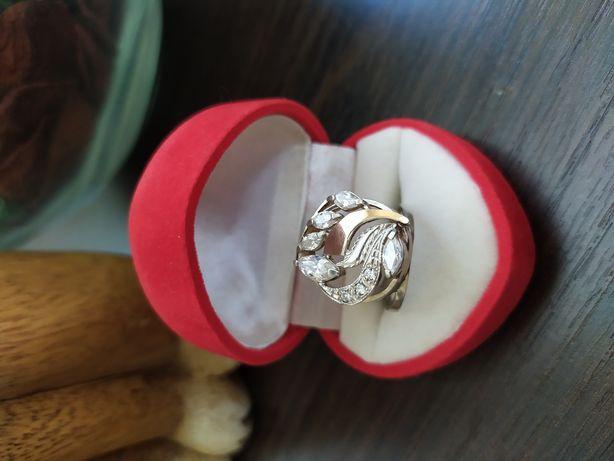Кольцо перстень серебряное с золотой пластиной женское серебро 925