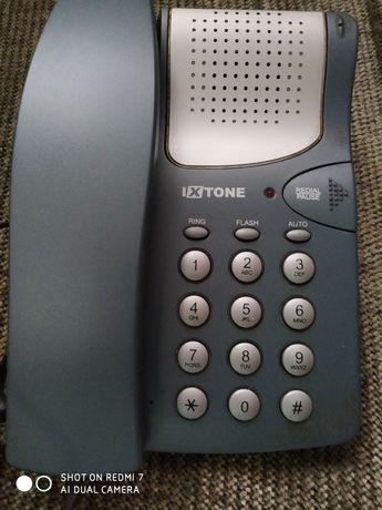 Почти новый стационарный телефон