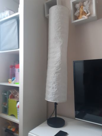 Lampa kokon z Ikei