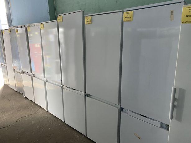 Встраиваемый холодильник 1.75  из Германии