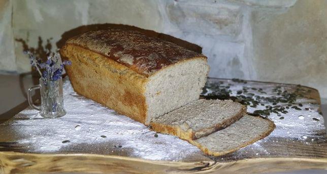 Domowy chleb wiejski na zakwasie