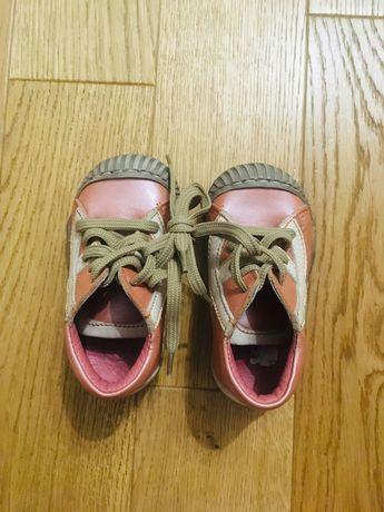 Nowe buty dziecięce wiosenno-jesienne. Roz. 20. Wkładka wew. 12,5 cm