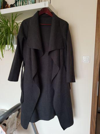 Grafitowy płaszcz