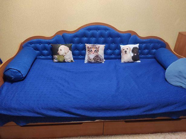 Продам полуторную кровать+ матрас.