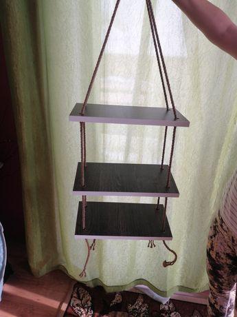Półka wisząca na sznurku