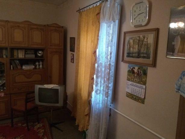 Продам 2-х комнатную квартиру без посредников. Центр