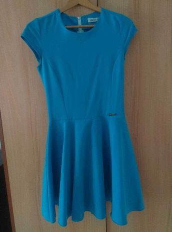 Niebieska sukienka lekko rozkloszowana, rozmiar XS