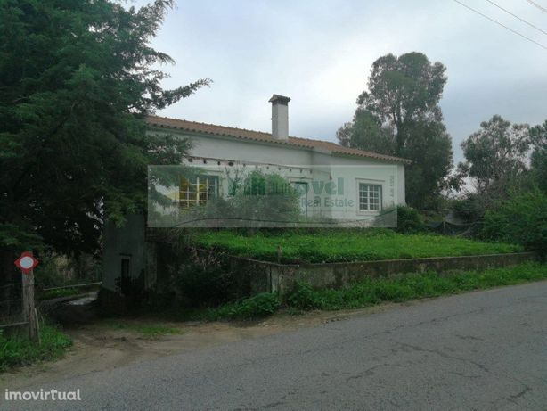 Moradia T2, S. Vicente do Paúl, para venda