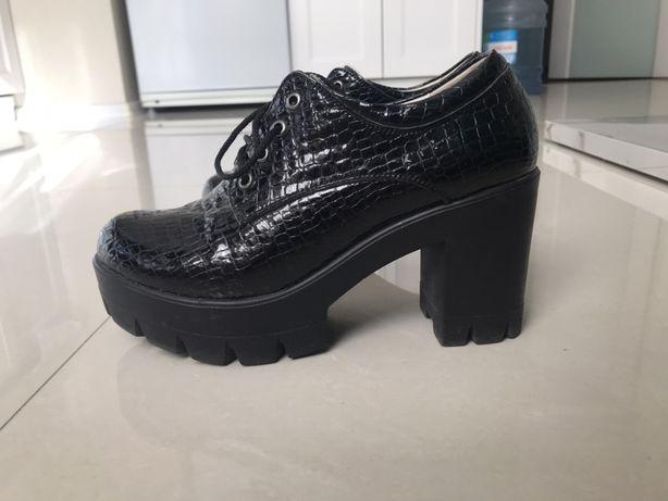 Кожаные ботинки, черные ботильоны
