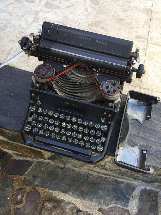 Máquina de escrever Remington USA Teclado Português H CESAR Vila Nova de Milfontes - imagem 1