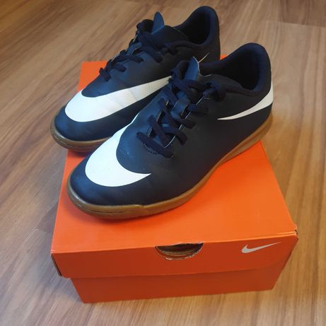 Halówki Nike 37,5
