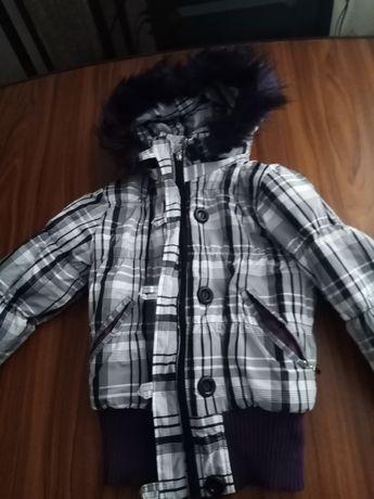 Курточка на підлітка на весну 146 розмір