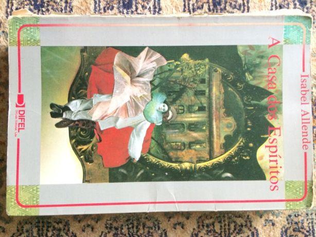 Livro ''a casa dos espíritos'', de isabel Allende