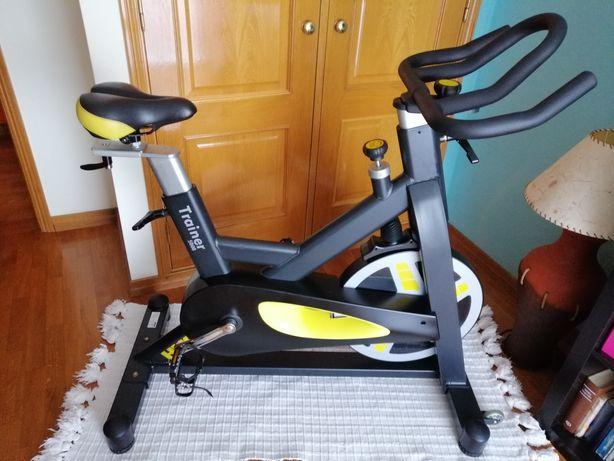 Bicicleta de spinning.