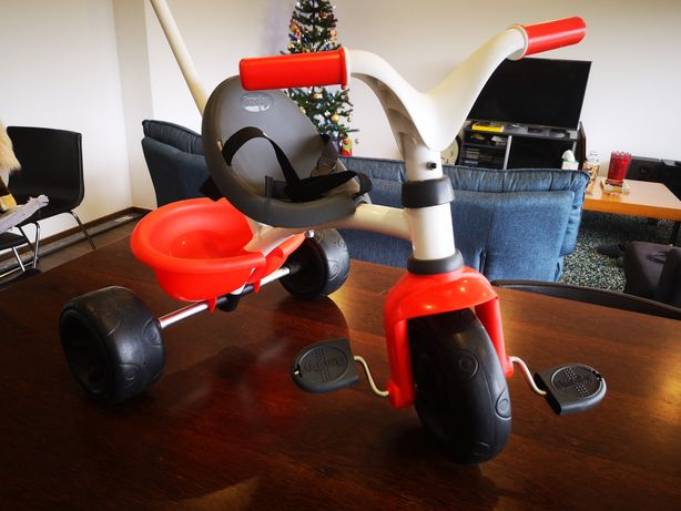 Triciclo Smoby Novo c/ pega e bagageira