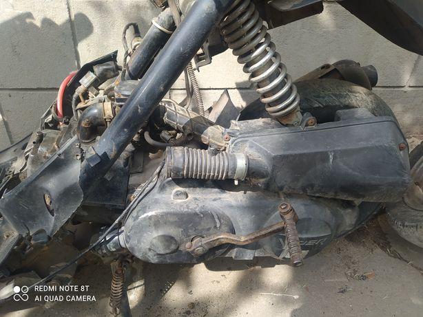 Мотор на китайский скутер 139 qmb 80 кубов 10 колесо viper