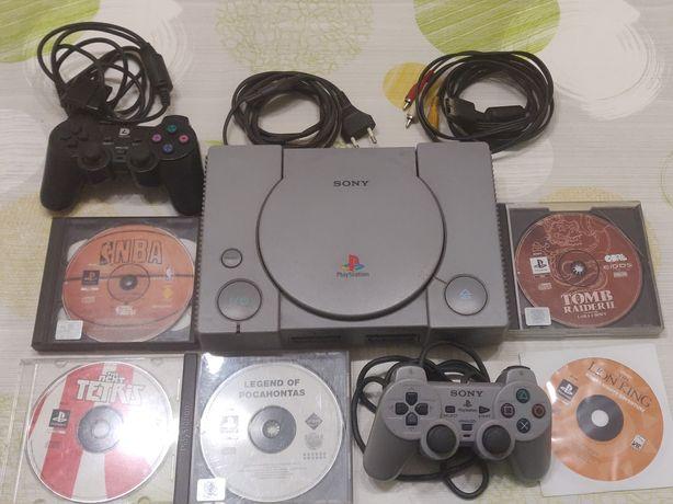 Consola PlayStation PS1 modelo SCPH-9002 + 5 jogos + 2 comandos.