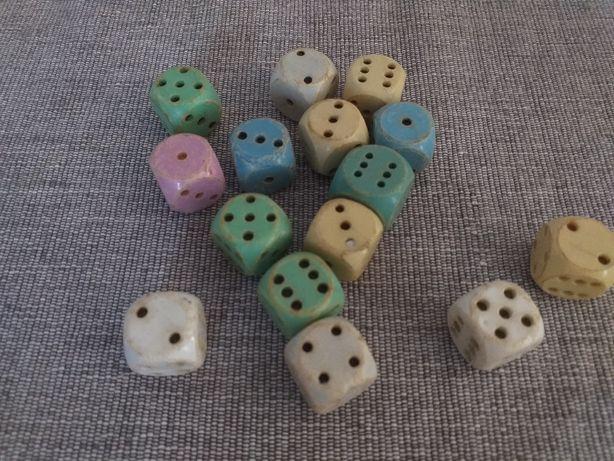 Kostki do gry, stare zabawki PRL