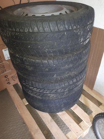 Диски с резиной 215 65 r16С  комплект