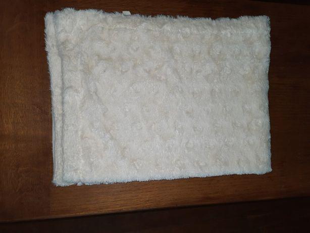 Biały, puszysty, podwójny kocyk, wysyłka