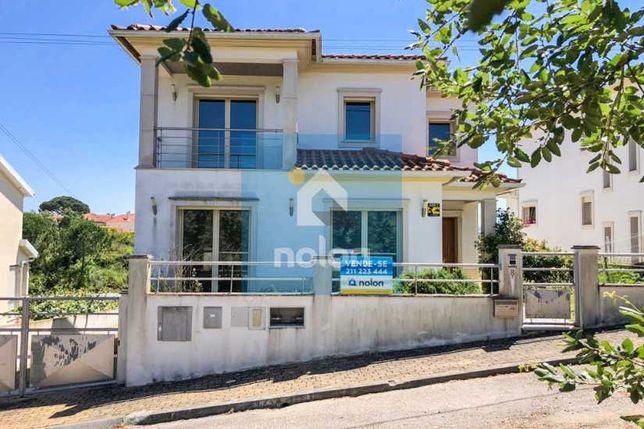 Moradia Isolada V5 de 2 Pisos com 421 m2 em Carvalhais, Coimbra