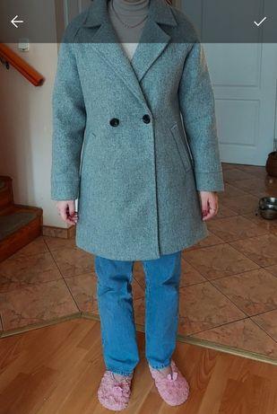 Szary płaszcz jedno rzędowy