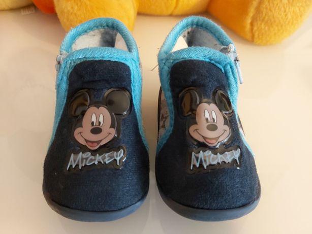 Pantufas de bebé com o Mickey, n.º 19 - COMO NOVAS