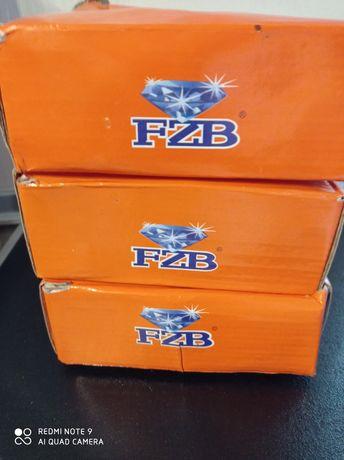 Дверные ручки FZB с защёлкой.