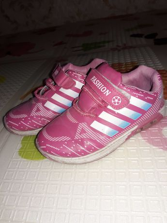 Кросівки для дівчинки