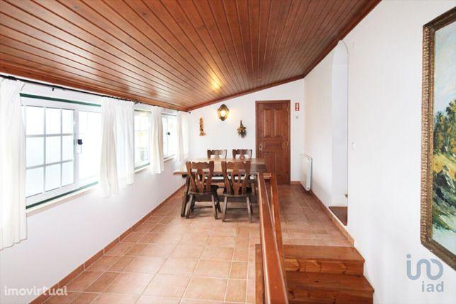 Moradia - 304 m² - T4