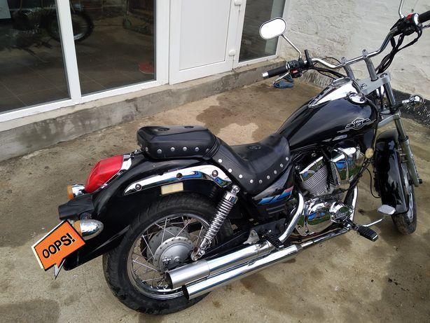 Продам мотоцикл Lifan 250 b