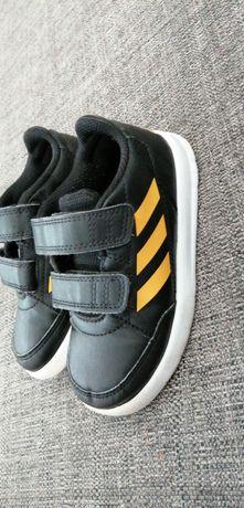 Sapatilhas Adidas, tamanho 26
