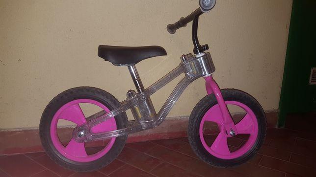 Bicicleta sem pedais criança
