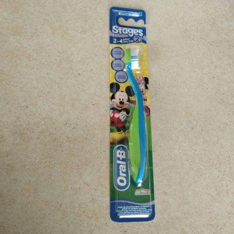 Зубна щітка дитяча Oral-B від 2-4 років