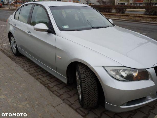 BMW Seria 3 sprzedam BMW e90 320i