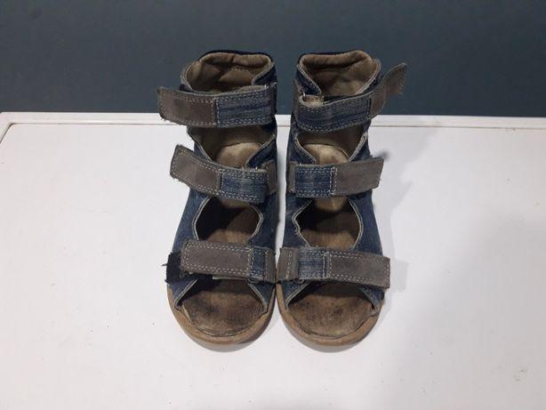 Ортопедические сандали на мальчика