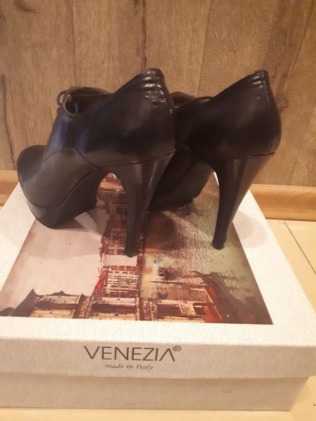 Buty na platformie venezia