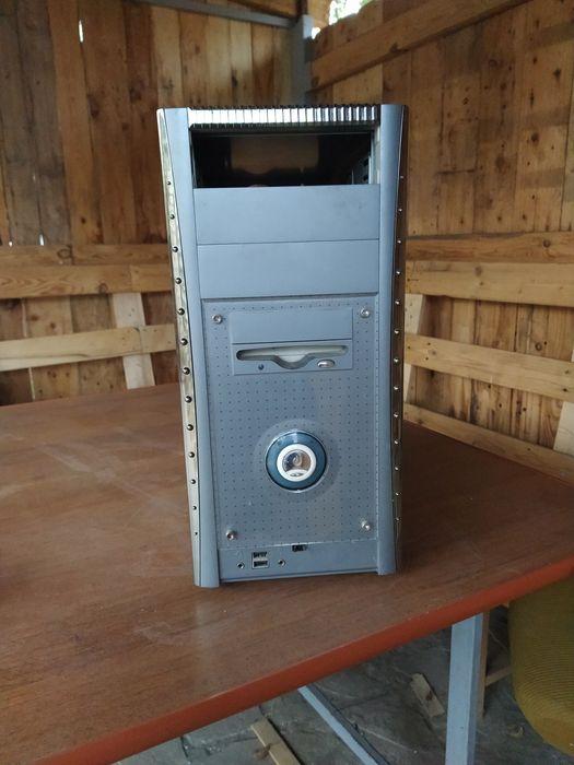 Корпус для компютера 400 рублей Луганск - изображение 1