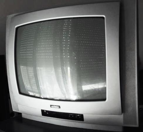 TV de 51cm de diâmetro