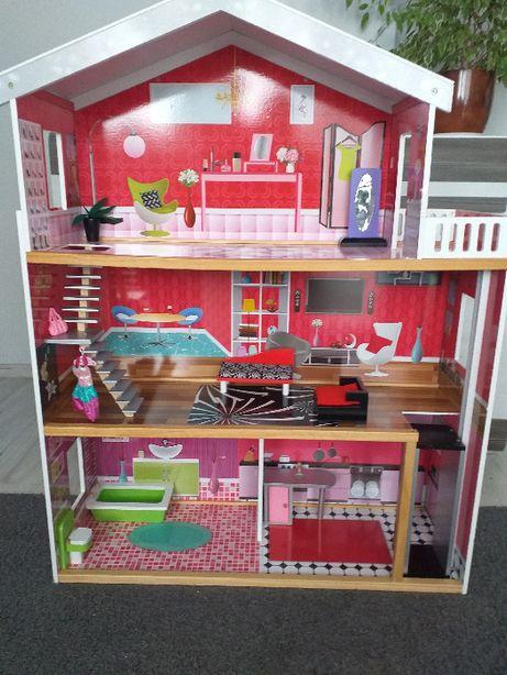 Domek dla lalek drewniany, 3 piętra, winda, wysokość 112cm, szer 88cm.
