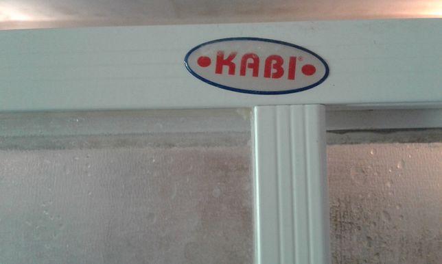 продам душкабину в хорошем состоянии с поддоном kabi