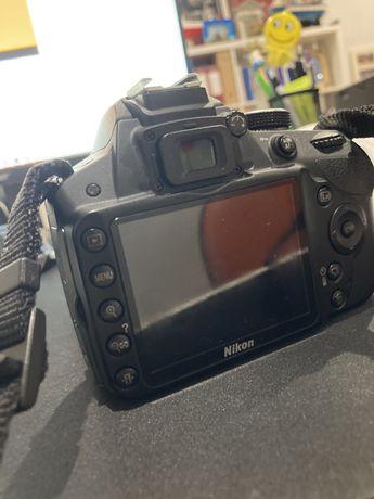 Camera nikon D3200 com Nikkor 28-80 mm