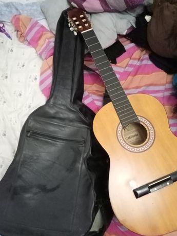 Guitarra clássica Catalunã